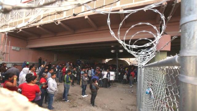H3 border patrol migrants el paso bridge