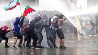 H7 chile tens thousands march demanding changes constitution santiago reforms pinochet pinera