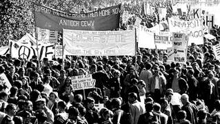 Tom hayden vietnam antiwar protests 1