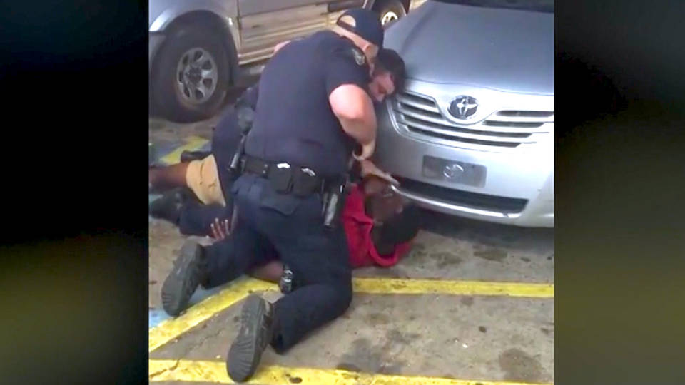 H2 police who killed alton sterling not charged