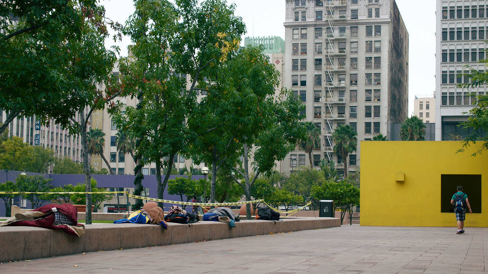 H homeless people sleeping in pershing square in downtown los angeles