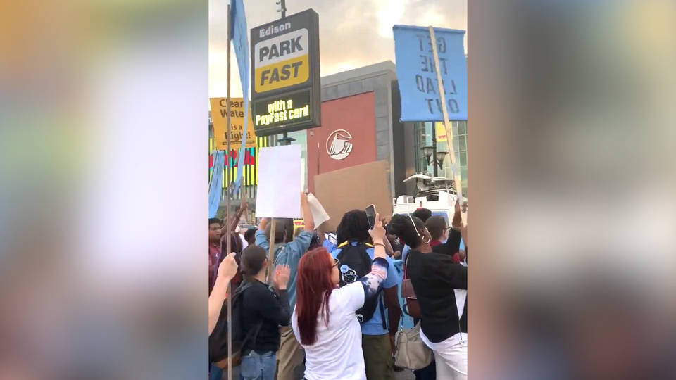 H13 newark new jersey lead water crisis coalition protest prudential center mtv video music awards taylor swift equality act