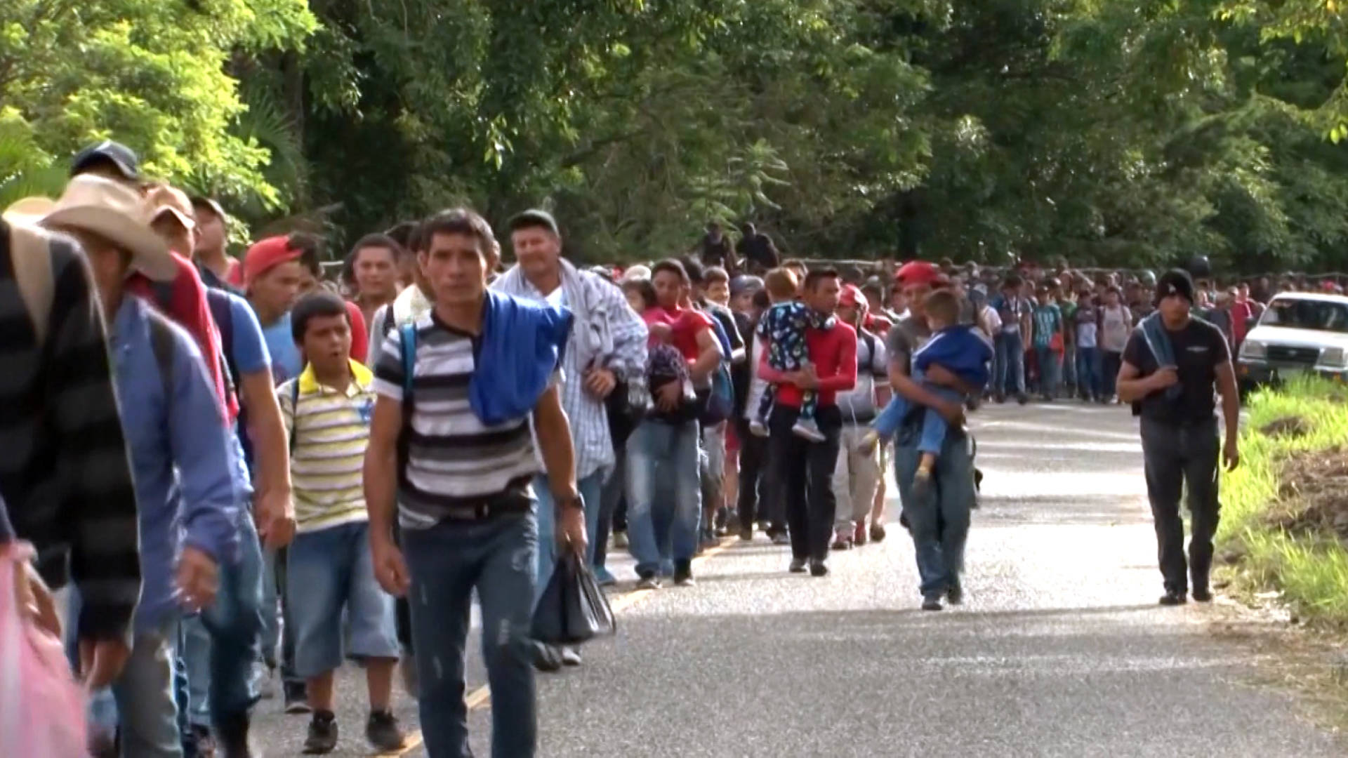 trump amenaza con sanciones a honduras por caravana de