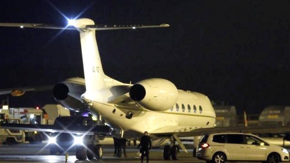 Hdlns1 iranexchange prisonerplane