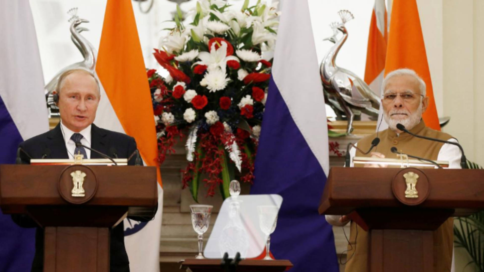 India Signs Major Weapons Deal with Russia as Trump ...