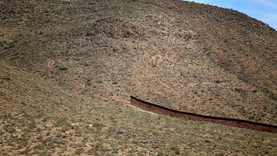 H05 mexico wall