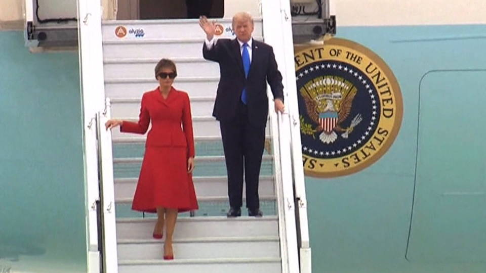 H02 trump arrives