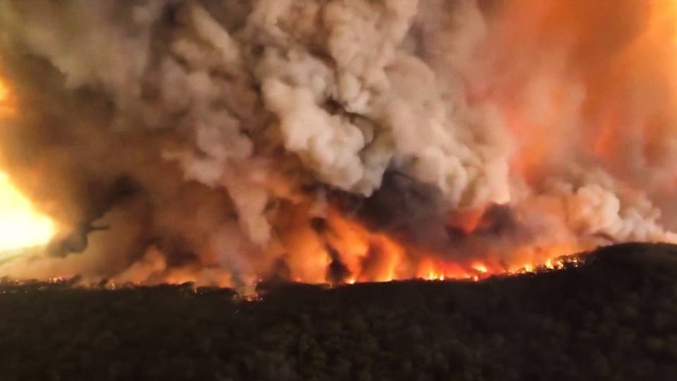 H5 australia braces for blast furnace heat winds fuel wildfires