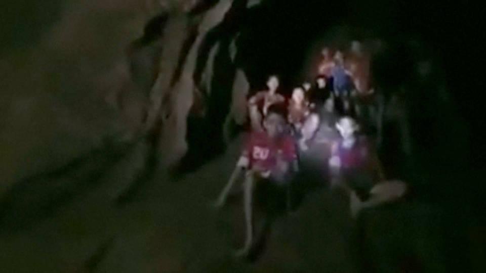 H15 thailand cave kids alive