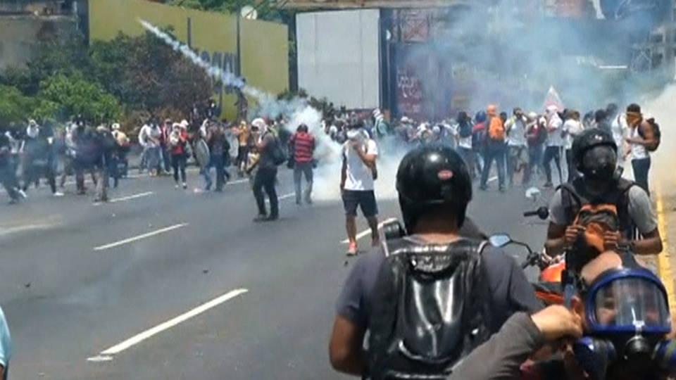 H09 venezuela protests