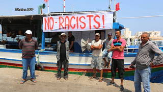 H14 no racists tunisia1