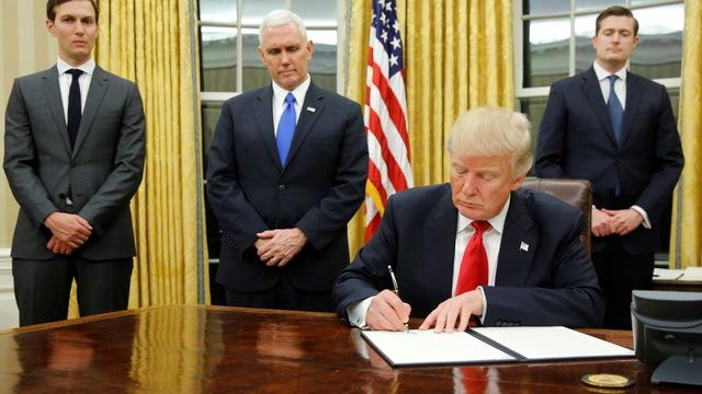 H4 trump signs