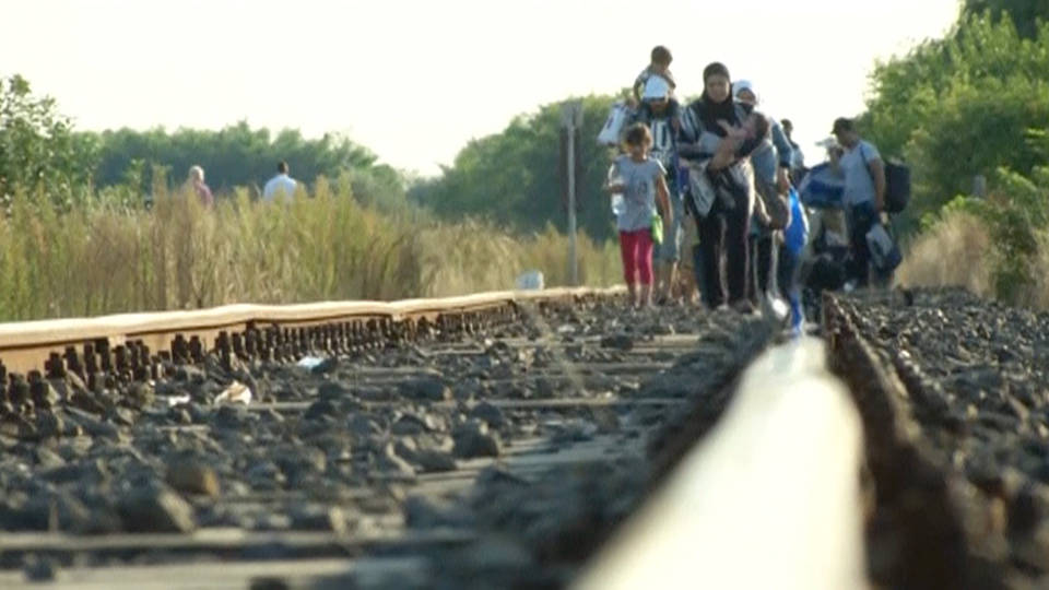 H10 hungary criminalizes helping migrants