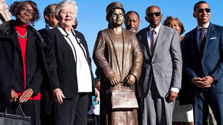 H12 rosa parks honored new statue montgomery alabama