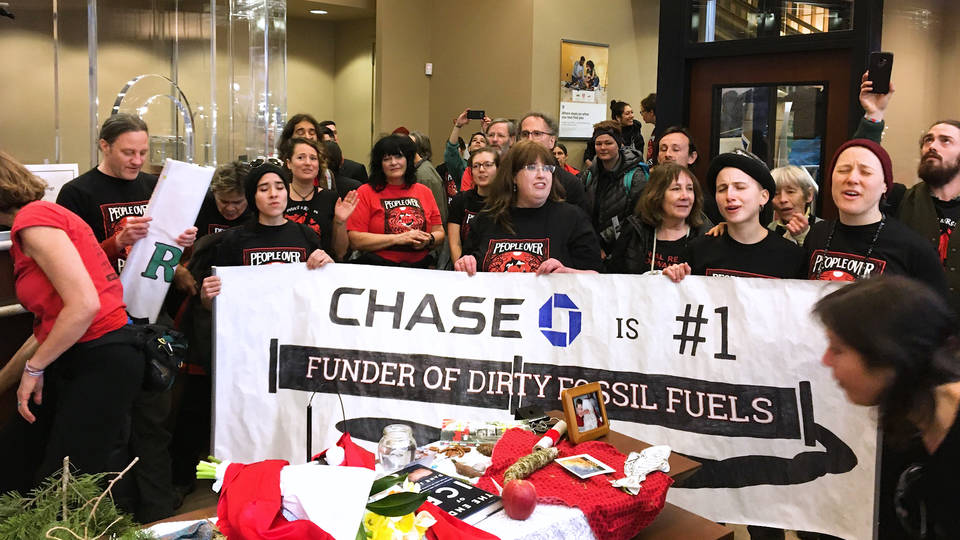 H9 28 arrested seattle protesting chase bank fossil fuel ties