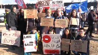 H7 france activists block saudi arms shipment yemen le havre protest