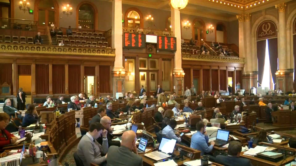 Iowa governor signs Fetal Heartbeat Bill into law