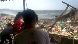 H philippines trash wave