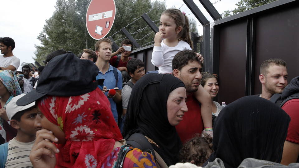 H06 hungary asylum seekers