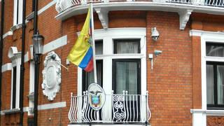 H9 equador assange internet