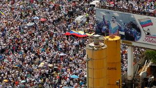 H11 venezuela crowd