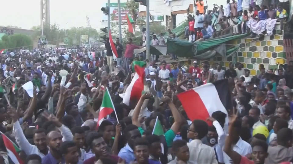 H5 sudan protests challenge military0