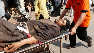 H05 pakistan oil tanker injured man