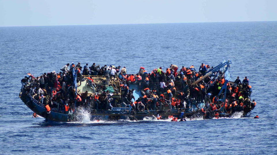 H06 refugees off libya coast