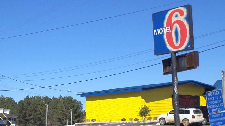 H12 motel 6 ice arrests deportation detention washington state