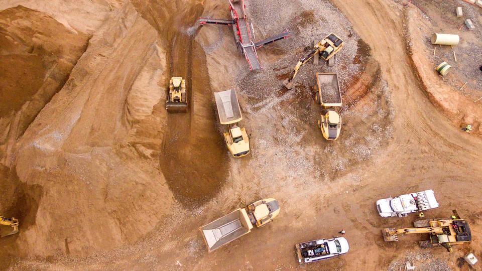 H8 zimbabwe miners trapped underground shaft collapse