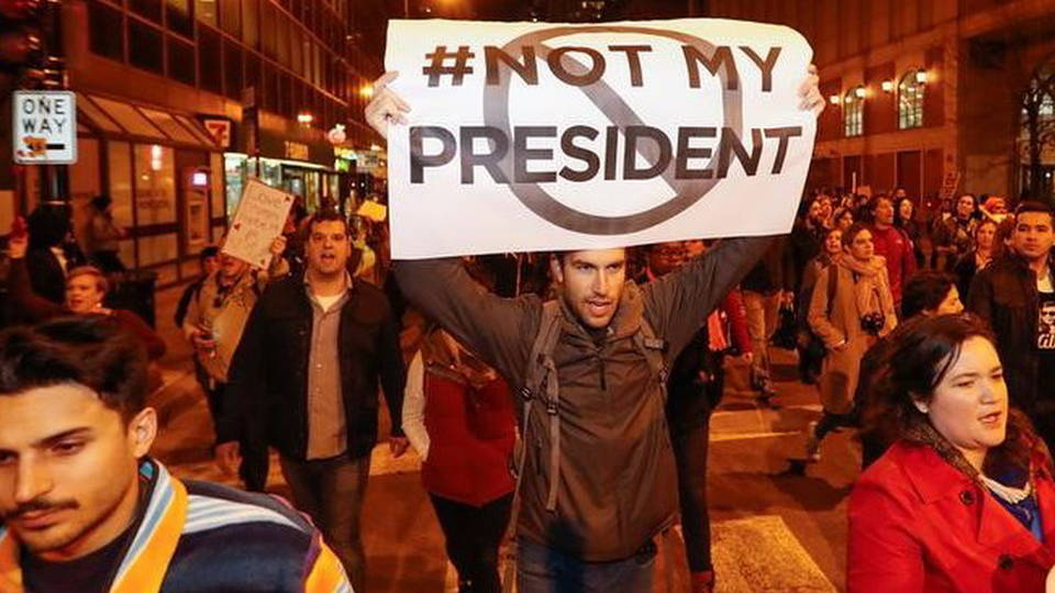 H01 anti trump protest