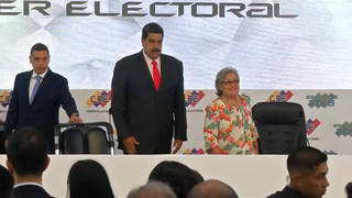 H10 trump pushes venezuela invasion