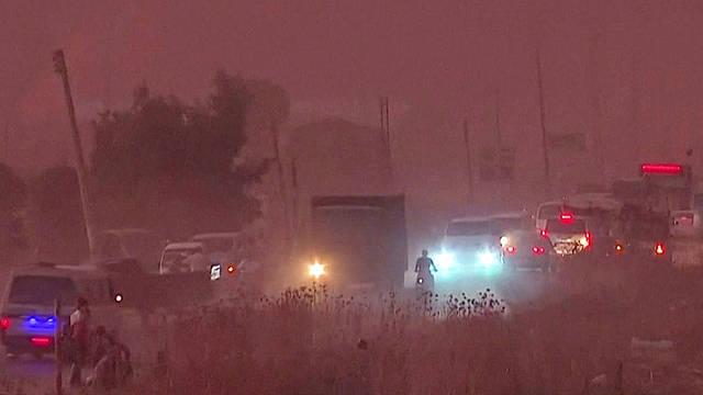 H1 northern syria civilians flee turkey military kurdish border