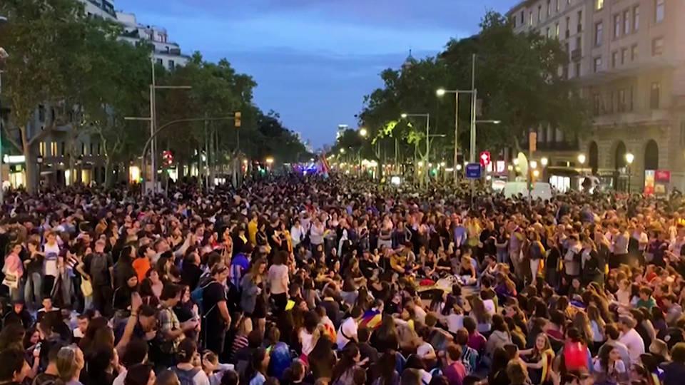 H11 catalonia barcelona general strike spain separatist