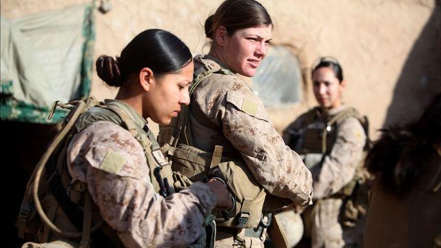 H17 marine women