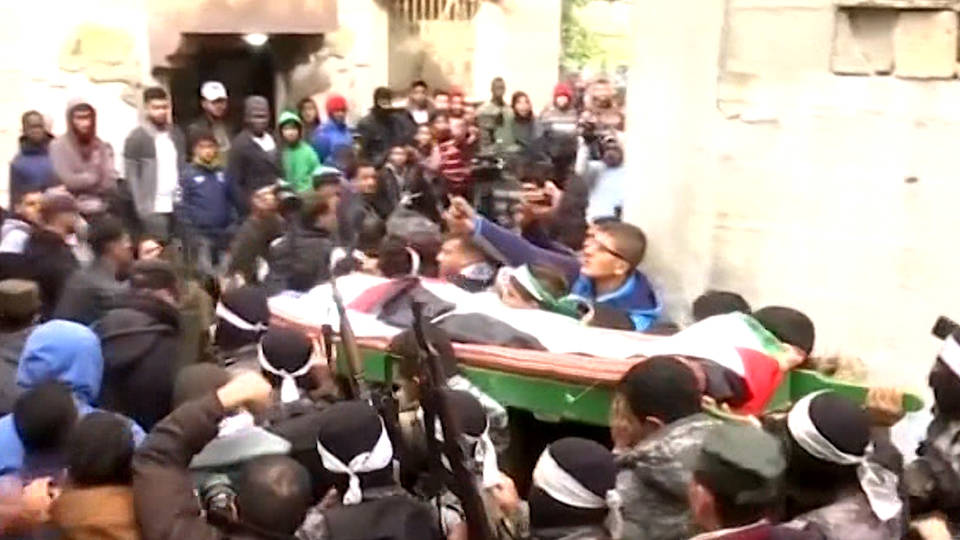 H8 gaza mourners