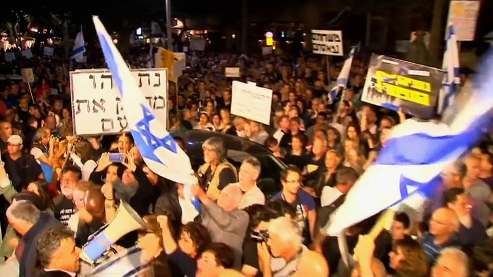 h06 israel thousands march against netanyahu