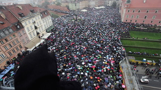 H12 poland women strike
