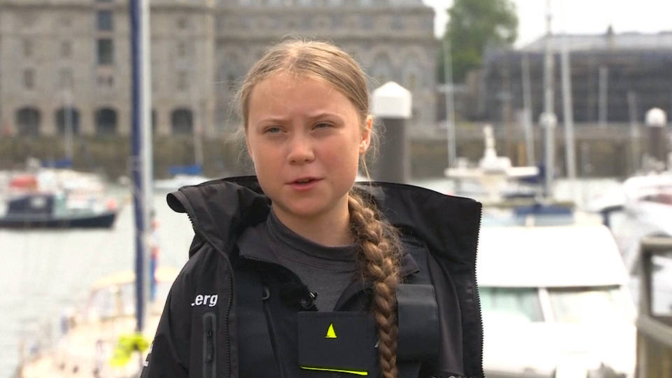 Teenage eco-activist sets sail for NY
