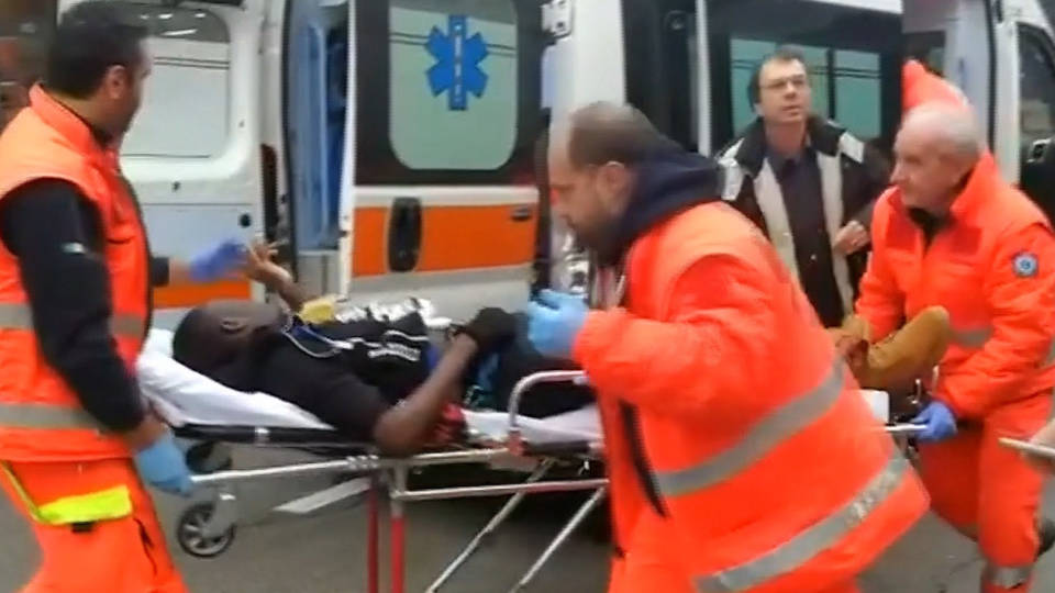 h12 italy migrants attacked