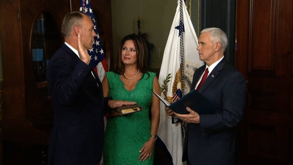 H zinke sworn