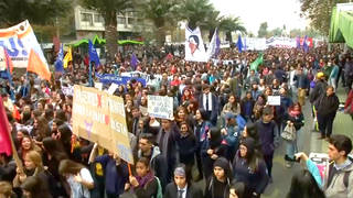 H9 chile student march against sexual violence