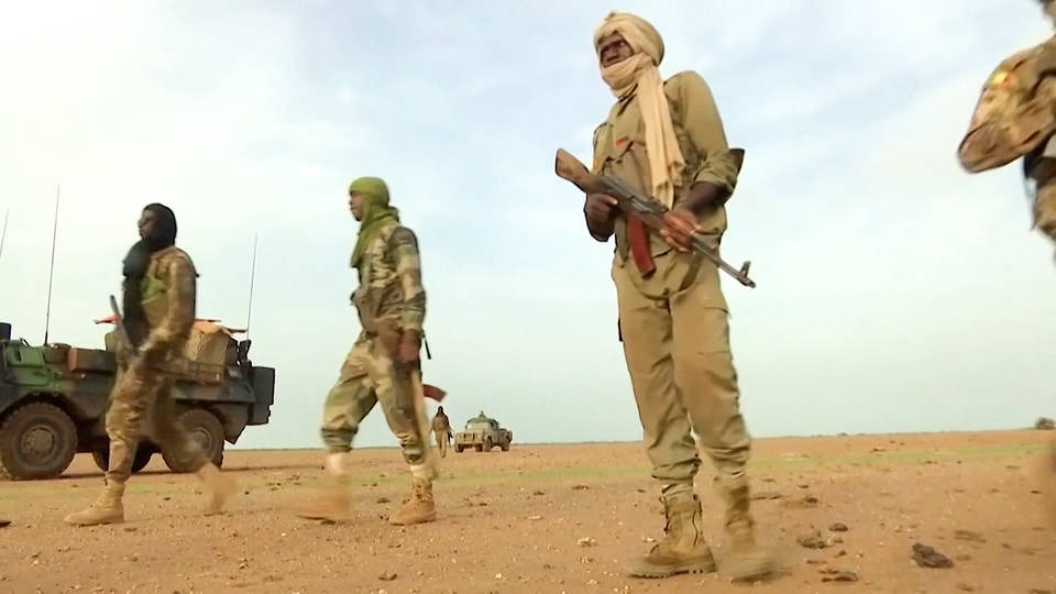 H8 mali over 50 soldiers killed attack military post isis french soldier