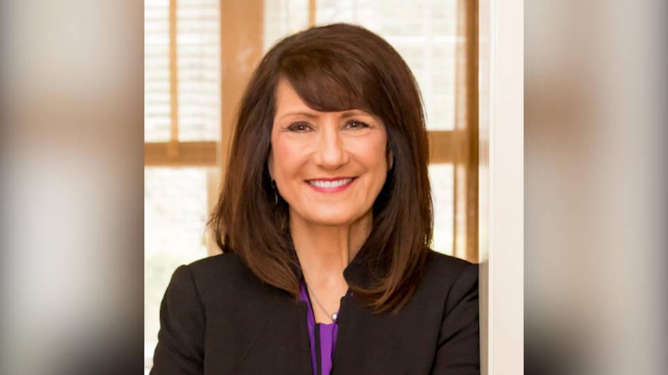 H11 illinois progressive marie newman defeats anti abortion incumbent dan lipinski