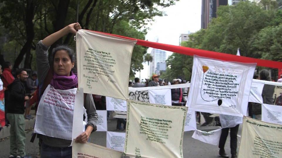 H09 ayotzinapa march