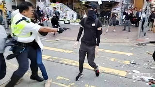 H6 hong kong police shoot sutdent protestor close range critical condition anti government protests