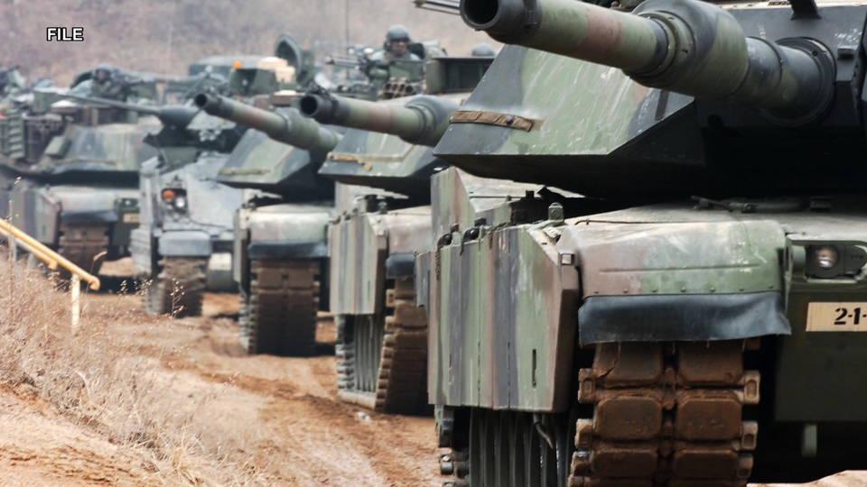 H10 military tanks