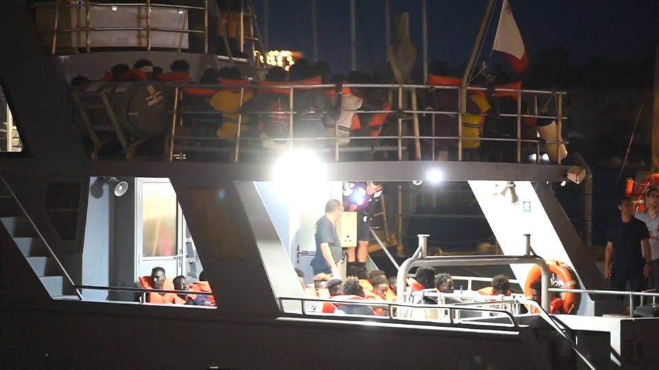 H9 german ship rescues migrants sea eye