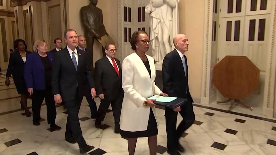 H1 house lawmakers deliver articles impeachment senate trump managers pelosi