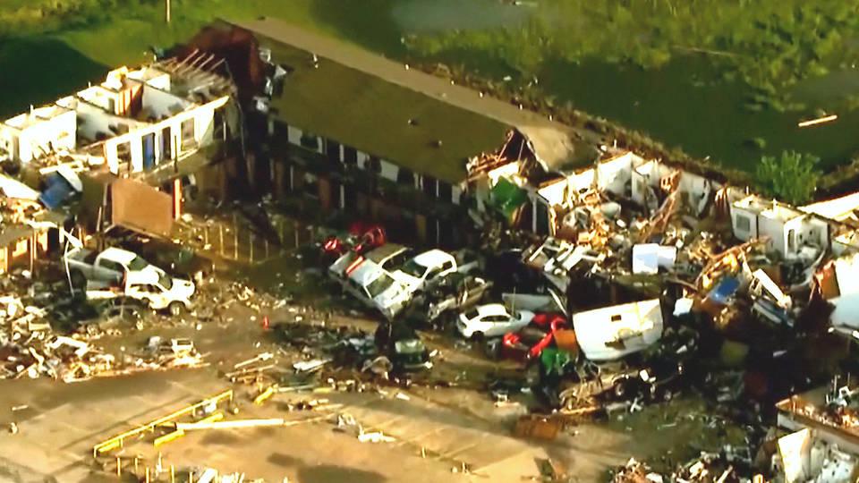 H11 tornadoes midwest oklahoma el reno deaths arkansas